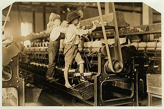 Boys. Textile mill workers. Mills. Spinning machinery. United States--Georgia--Macon
