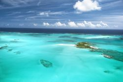 Caribbean Ocean, Sandbars And Islands